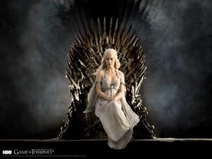 daenerys_targaryan__game_of_thrones_wallpaper_by_darkelektra-d592zg3